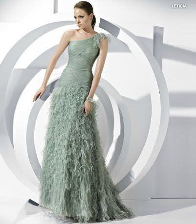catalogo pronovias vestido fiesta largo plumas